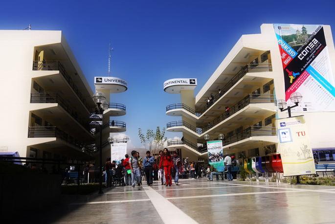 Cientos de estudiantes de arquitectura de todo el país en UCCI