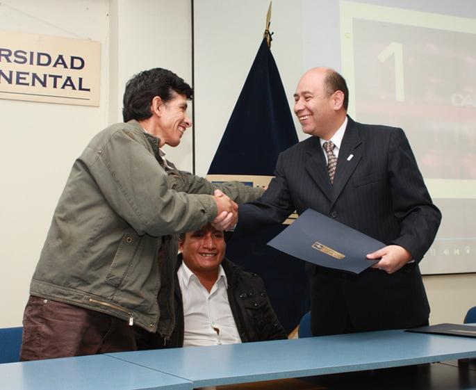Vicepresidente Ejecutivo de UCCI, José Barrios y Representante de Cooperativa Agroecológica.