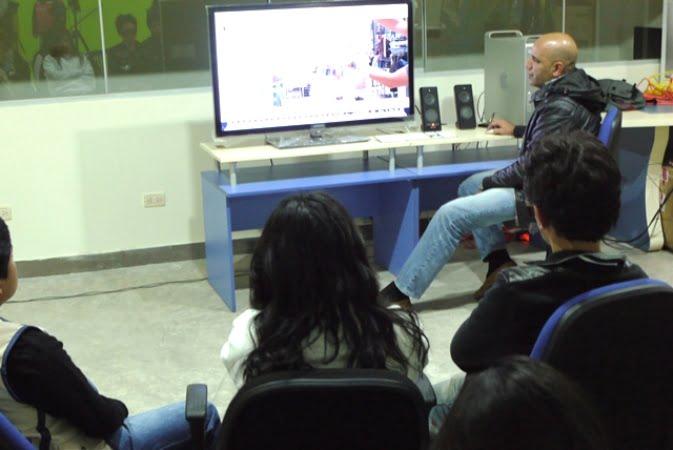 Alumnos de Comunicaciones aprenden el uso del Final Cut
