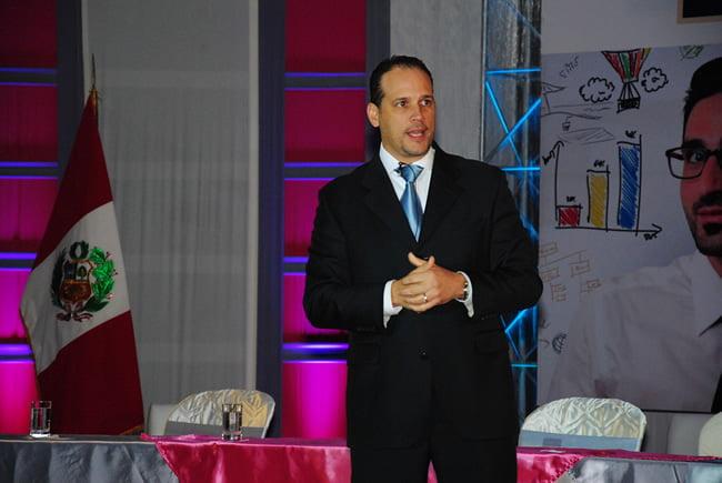 Mauricio Ortiz en IV Congreso Internacional de Marketing 2013