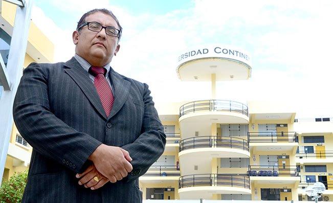 Carlos Sandoval en Universidad Continental