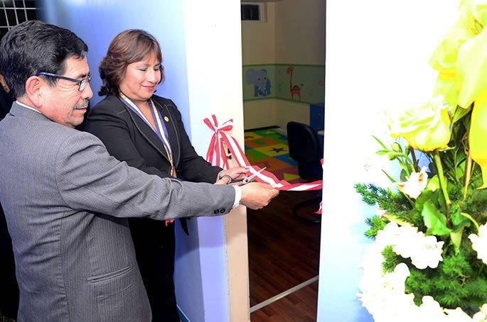 Decana nacional del Colegio de Psicologos del Peru participo de inauguracion