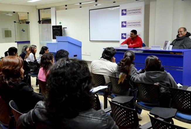 Centro Cultural de Continental realizó presentación de libro: El títere y el hombre americano