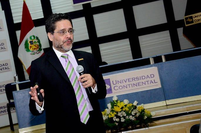 Luis Felipe Calderón Moncloa en Universidad Continental