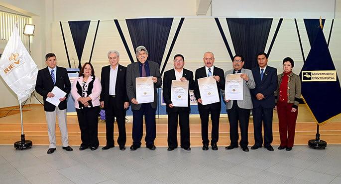 Carreras de Arquitectura e Ingenieria Industrial amplian acreditacion-1