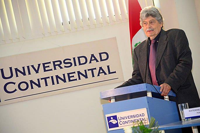 Presidente de la RIEV, Jorge Gonzales, felicitó a la Universidad Continental.jpg