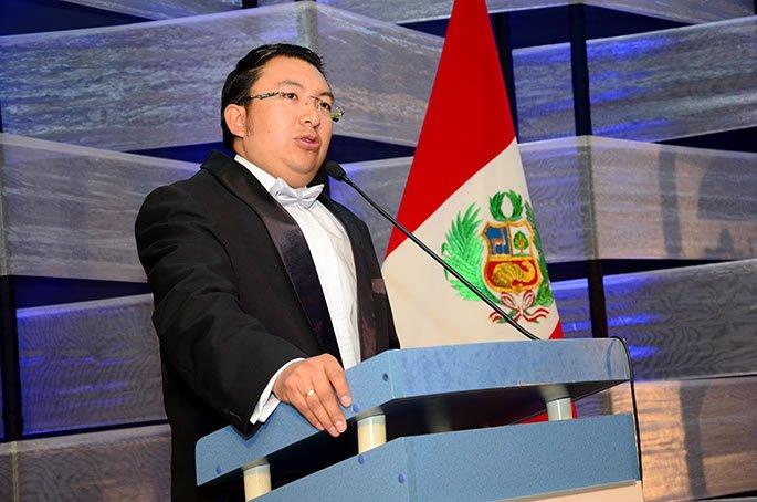 Carlos Canchumanya, director del Centro de Liderazgo, expresó su orgullo por el trabajo realizado