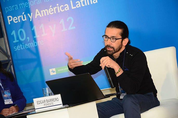 Edgar Barrero en U. Continental