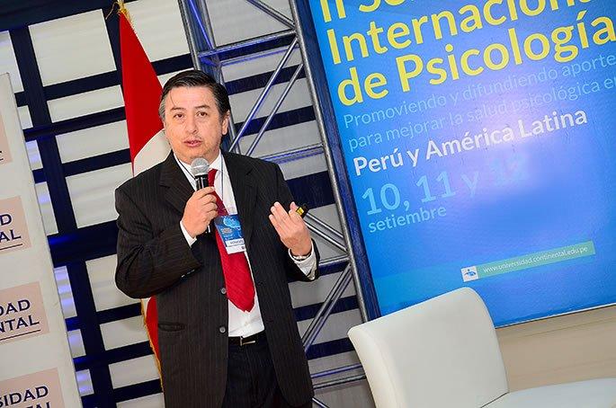Marco Murueta, experto en Teoría de la Praxis