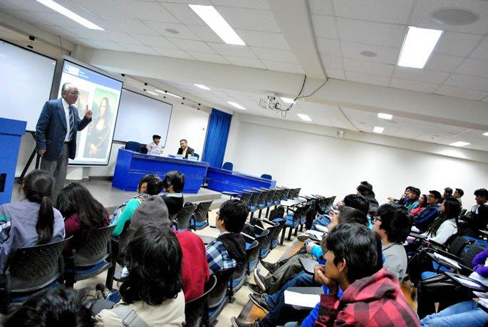 Nota web7- Instituto Continental Jornada Banca y Contabilidad.zip