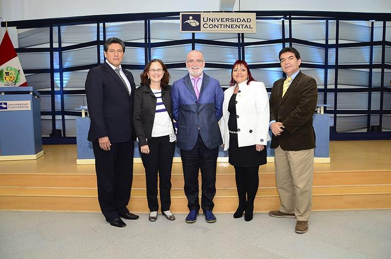 Español Emili Prado habla sobre el desafío de la comunicación en congreso internacional