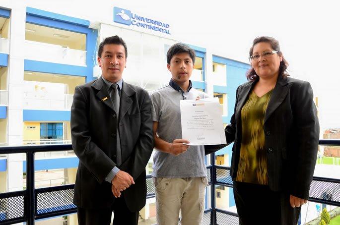 Ganador de la beca de estudios para la UC