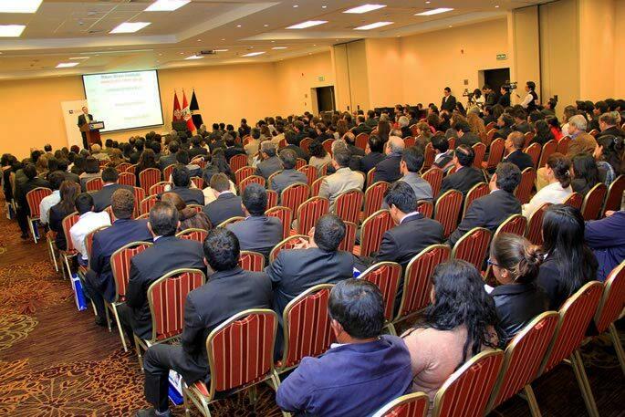 conferencia-por-apertura-de-ano-academico-de-la-universidad-continental