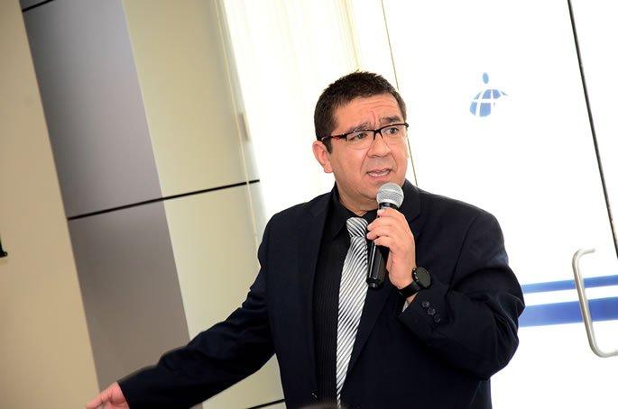 Manuel Saravia en la UC (1)