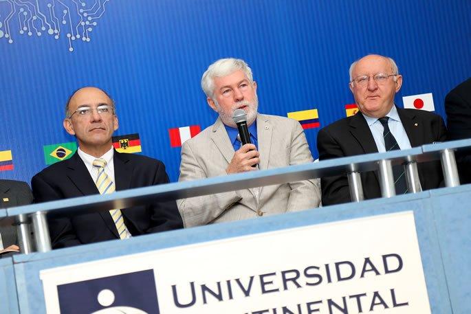 Howard Michel - Presidente IEEE inaugurando Congreso Mundial
