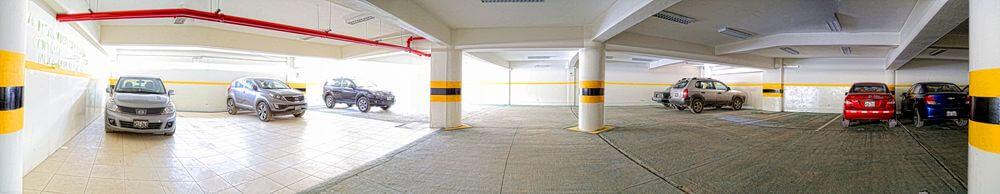 Estacionamiento subterráneo en el pabellón G, espacio acondicionado y seguro para la movilidad de nuestros estudiantes y personal administrativo