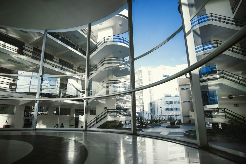 Los ambientes de nuestra Universidad han sido creados para el bienestar del estudiante, y su correcta formación académica.