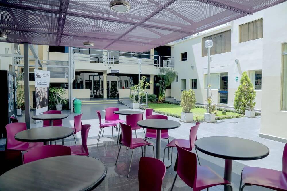 Los espacios de nuestra Escuela de Posgrado, están acondicionados para inspirar a los ya profesionales a seguir progresando.