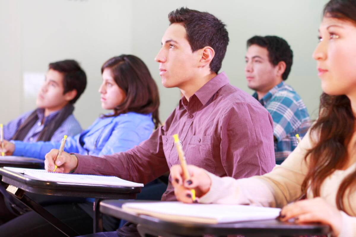 Jóvenes emprendedores preparados para nuevos retos.