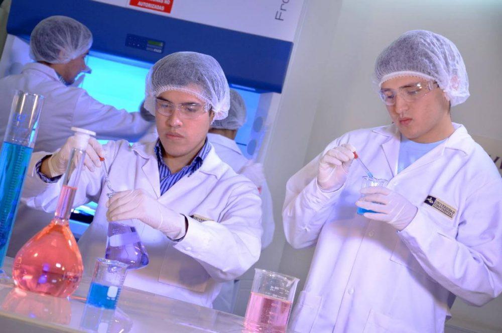Laboratorio de bioquímica, parasitología, inmunología y virología.