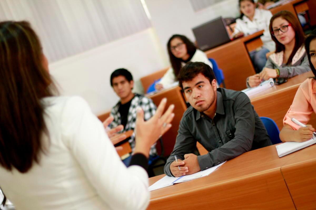 Pedagogía guiada a cumplir tus retos académicos.