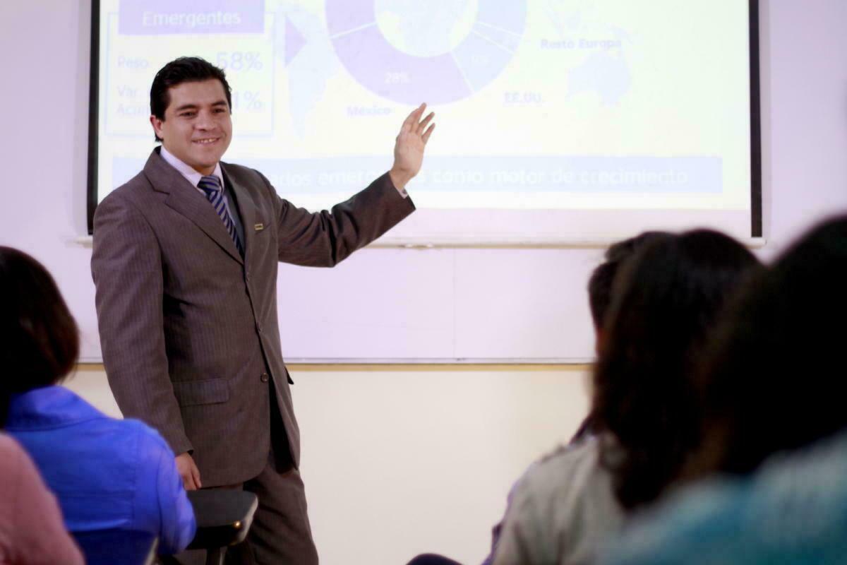 Procesos de enseñanza destinada a mejorar tu desempeño en el mundo laboral.