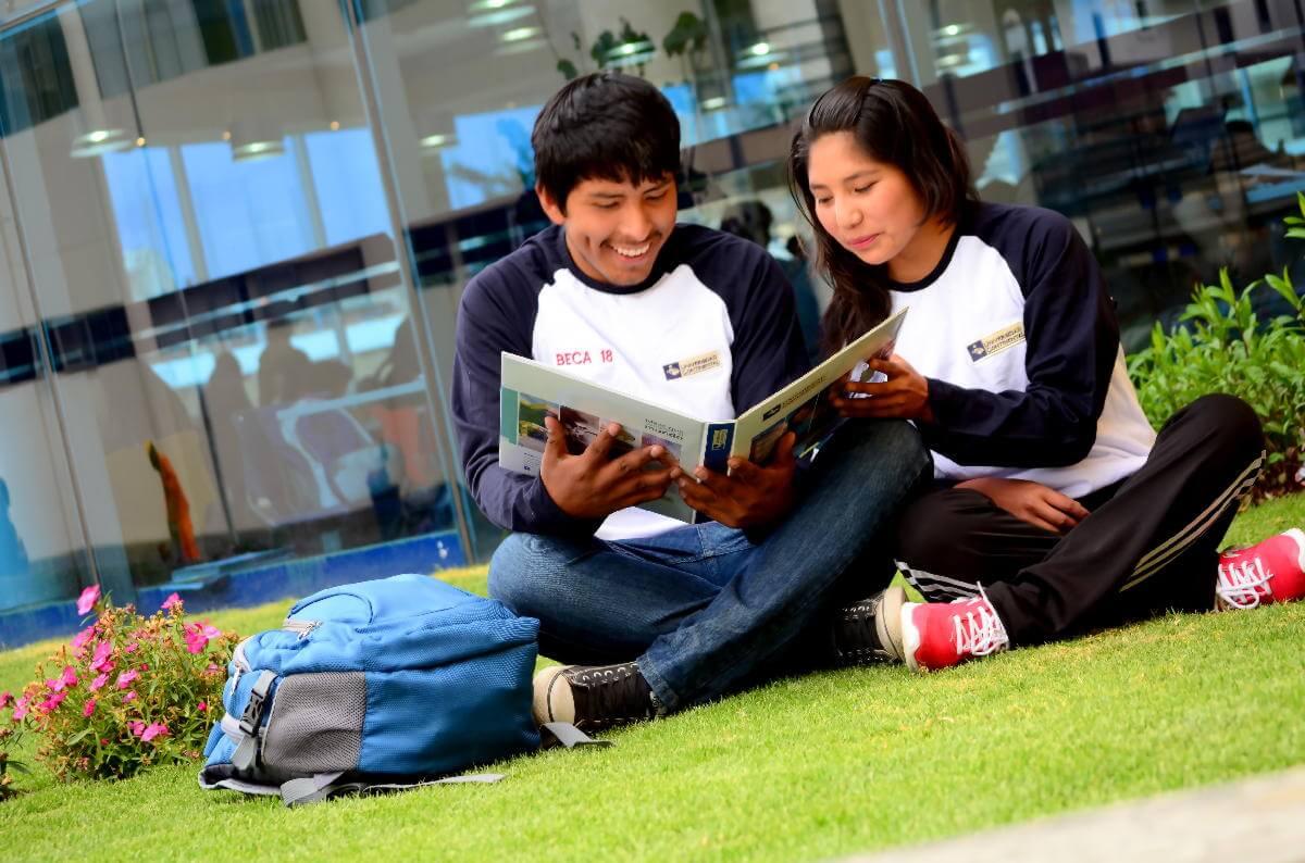 Tu formación universitaria es nuestra motivación.