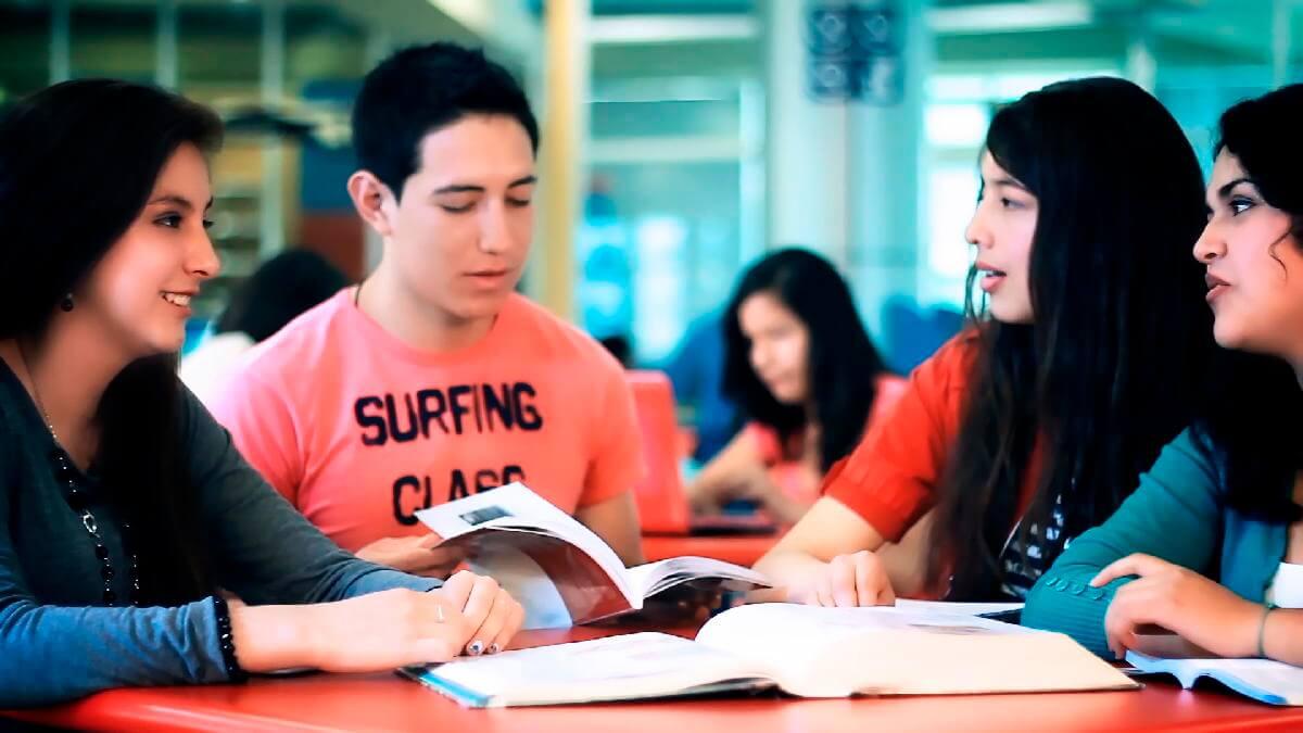 Únete a la Universidad Continental e inicia tu mejor historia.