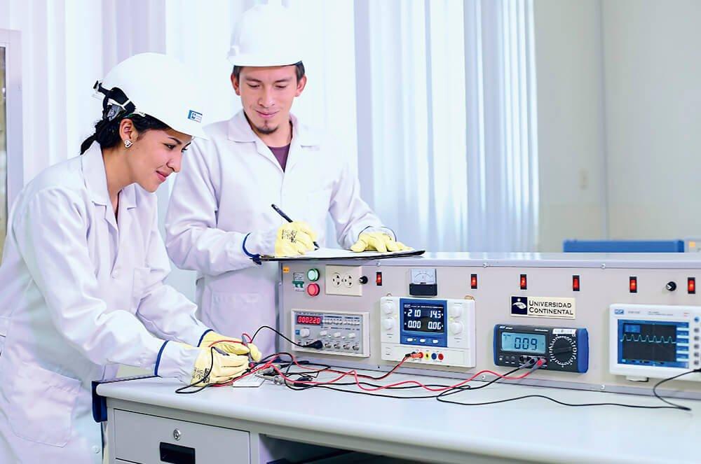 Laboratorios especializados de Ingeniería Eléctrica e Ingeniería Electrónica