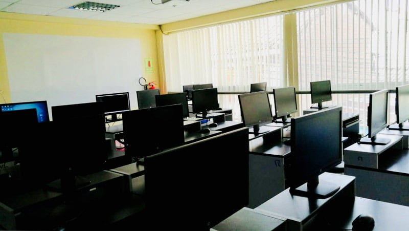 Local Collasuyo - Laboratorio de Cómputo y Simuladores Virtuales