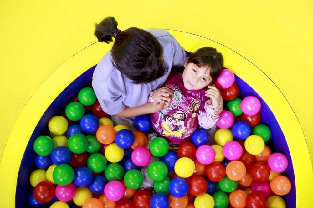 Piscina de pelotas, estimulacion temprana