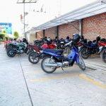 El Ingreso de motos y biciletas se da por nuestra puerta número 6, en donde cuentan con un estacionamiento ordenado y completo.