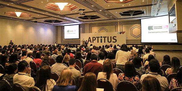 Universidad Continental participa en seminario sobre buenas prácticas empresariales