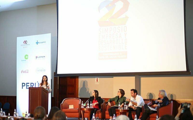 Universidad Continental participó en el 22 Simposio Internacional Empresa y Desarrollo Sostenible