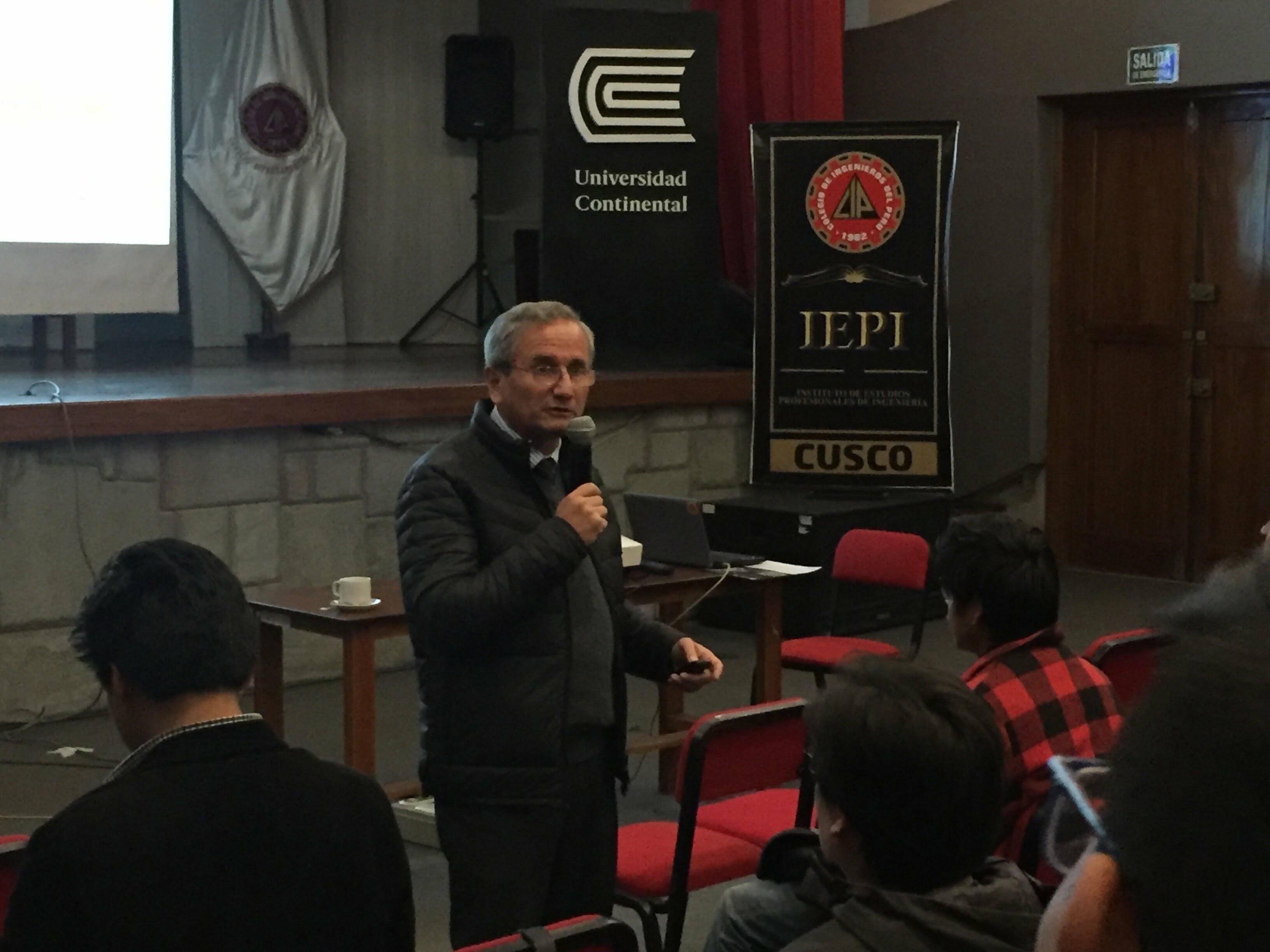 Universidad Continental congregó a reconocidos profesionales durante en Ciclo de conferencias en Ingeniería en Cusco
