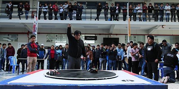 Universidad Continental reúne a 58 delegaciones de todo el Perú en I Concurso Nacional Robótica