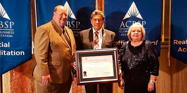 Universidad Continental reafirma su calidad logrando 6 acreditaciones con ACBSP de los EE.UU