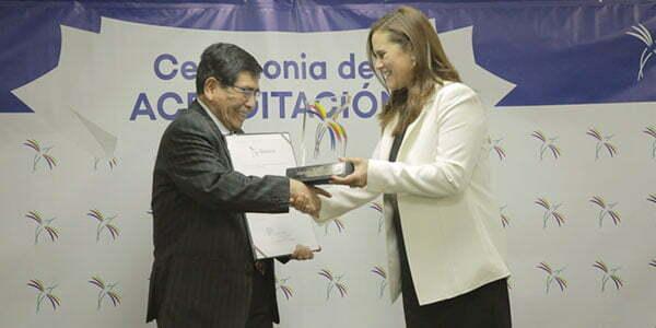 Sineace entregó reconocimiento a carreras acreditadas de la Universidad Continental