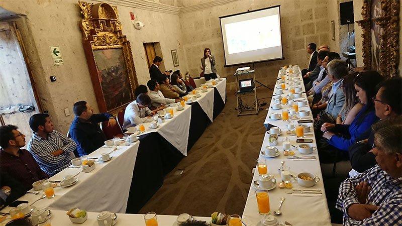 U. Continental reunió a empresas líderes en Arequipa en I Desayuno Empresarial sobre tendencias Globales del Recurso Humano