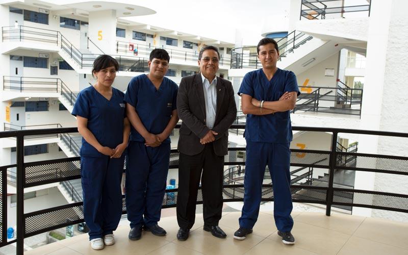 Estudiantes de la U. Continental logran primer lugar en Congreso Internacional de Medicina Interna