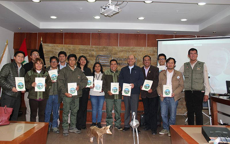 """Libro """"BioBlitz en los Andes Peruanos"""" fue presentado en la Universidad Continental"""