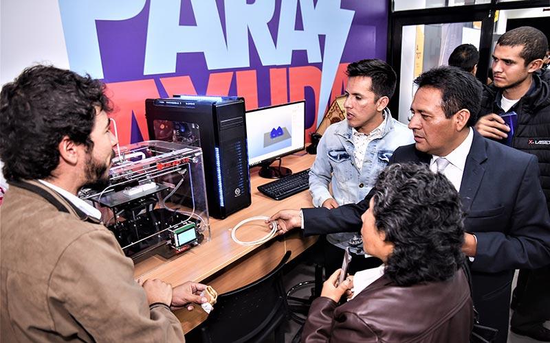 Primer laboratorio digital Fab Lab de la Universidad Continental