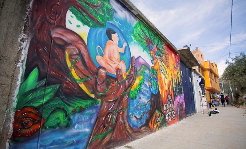 Estudiantes de Continental realizaron mural para