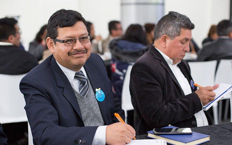 """Arequipa: Más de 50 docentes participaron de charla """"Code en mi Cole"""""""